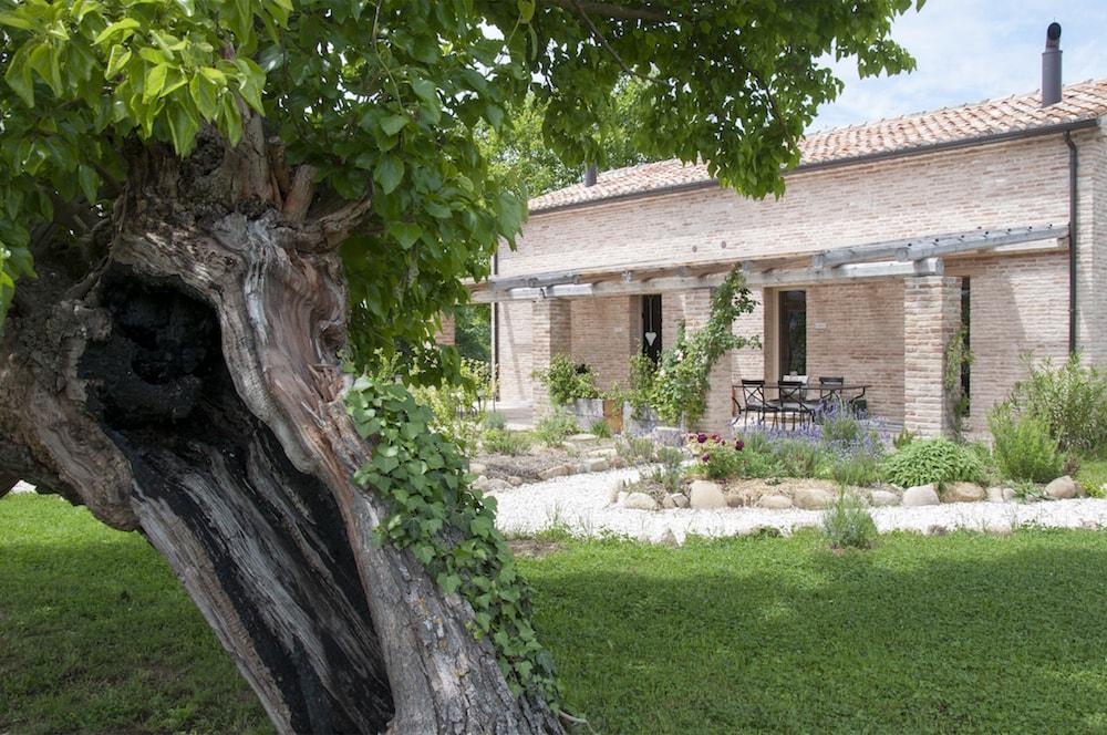 Borgo Farneto