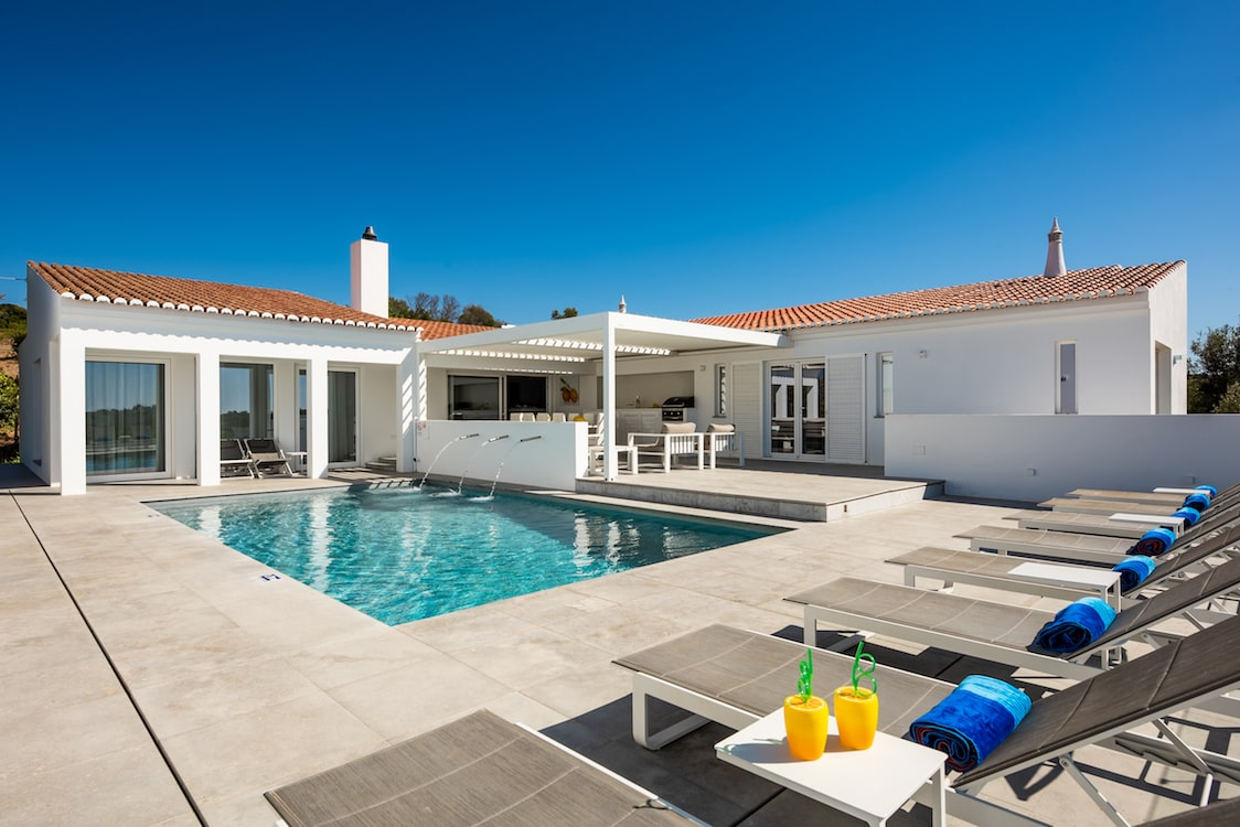 Private Villas In Portugal luxurious private villa for 10 people with swimming pool
