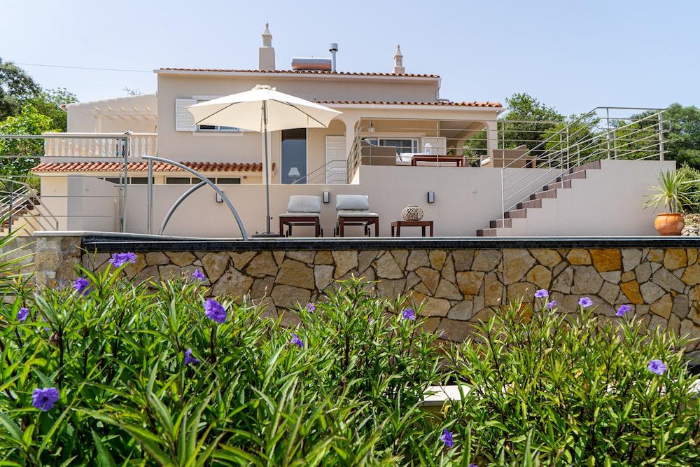 Villa Tareja